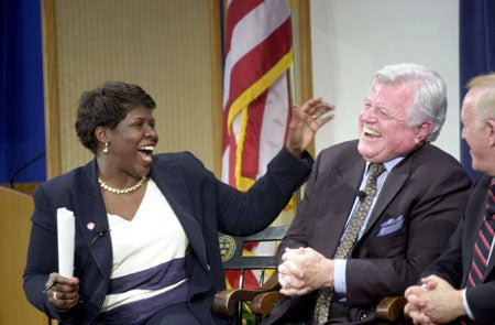 Photo of Gwen Ifill with Sen. Edward Kennedy