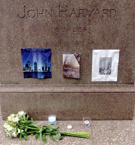 Memorial at John Harvard Statue