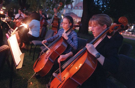 Harvard-Radcliffe Orchestra, Elizabeth Peterson and Erin Fehn