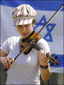 Rebecca Wexler with violin