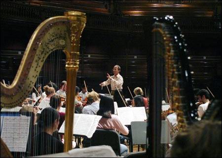 Yannatos with orchestra