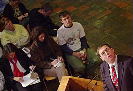 Illarionov and lecturegoers