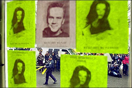 posters of Zeta-Jones, Robbins