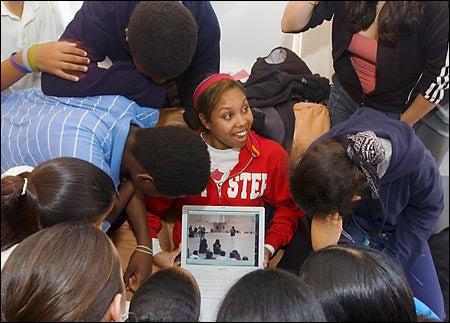 Lauren Jackson '07 with students