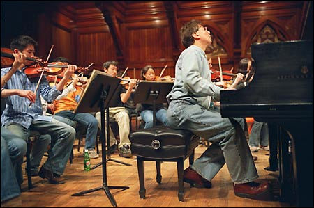 Levin rehearsing with H-R Orchestra