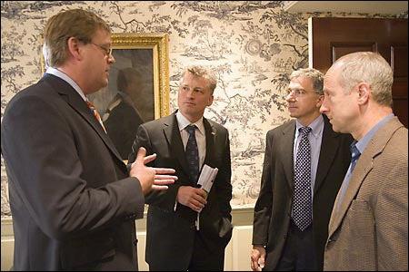 Harald Nesvik, Sander Tufte, Douglas Melton, and Michael J. Sandel