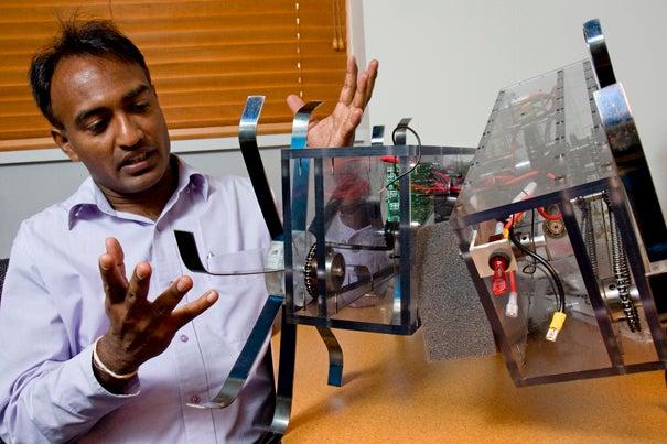 Radcliffe Fellow Thrishantha Nanayakkara talks about a mine-detecting robot built by his advisee Matthew Valente '09.