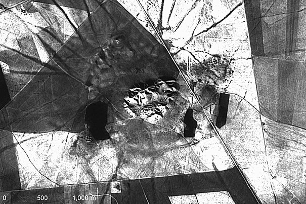 A 1969  CORONA spy satellite view of an ancient canal north of Nineveh (modern Iraq).