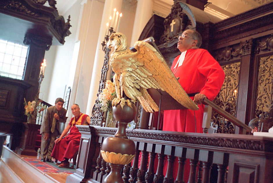 The Rev. Peter J. Gomes speaks at a ceremony in the Memorial Church during a visit to Harvard by His Holiness the Dalai Lama in 2003. Justin Ide/Harvard Staff Photographer