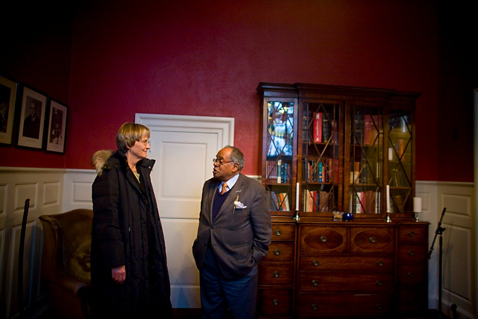 """Harvard President Drew Faust chats with Rev. Peter J. Gomes in the Memorial Church prior to the arrival of former Vice President Al Gore '69. Gore and Faust were featured speakers at Harvard's University-wide """"Sustainability Week"""" in October 2008. Justin Ide/Harvard Staff Photographer"""