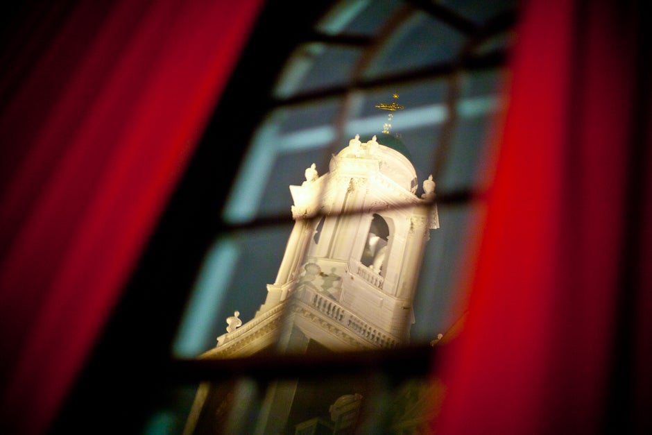 The Kirkland tower, seen from inside the Junior Common Room. Justin Ide/Harvard Staff Photographer