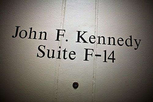 Suite F-14