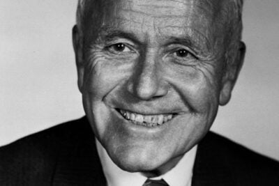 Charles M. Williams, a renowned authority on commercial banking and a master of the art of case method teaching, died Nov. 17.