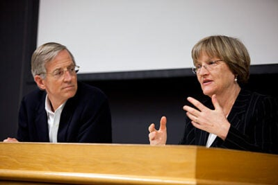 Evan Thomas (left) of Princeton University and former editor at large at Newsweek co-taught a Harvard College Winter Writing Program, a two-week Winter Break seminar for undergraduate nonfiction writers. Harvard President Drew Faust (right), Lincoln Professor of History,  was among his guest speakers.
