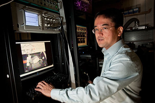 Naoshige Uchida (above) and colleagues report in the Jan. 18 issue of Nature that reward prediction error is actually the product of a complex interplay between two classes of neurons — one that relies on dopamine and an inhibitory class of neurons that uses the neurotransmitter GABA.
