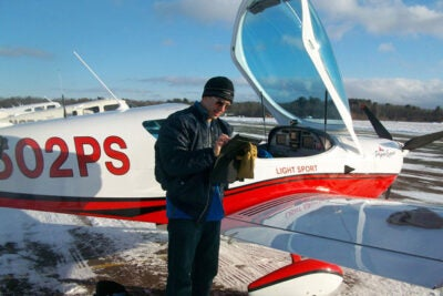 T. Fettah  Koşar, a principal scientist and facility manager at the Harvard Center for Nanoscale Systems, taught a mini-course on aerodynamics, taking students up in a light aircraft to view physics in action.