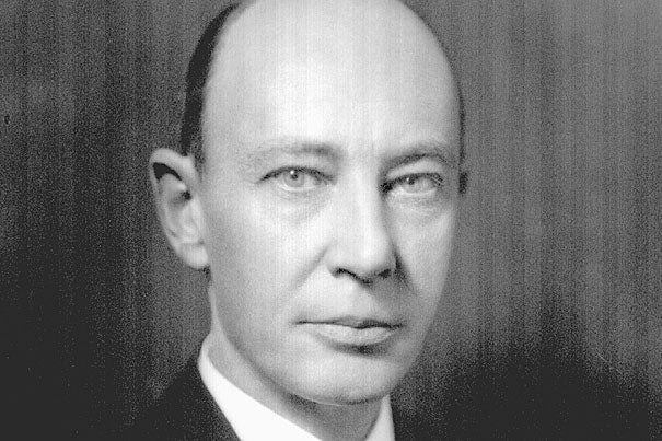 In 1926, Harvard Medical School faculty members George Minot (pictured) and William Murphy tackled pernicious anemia, which often killed sufferers within three years. Their study showed that a diet heavy in raw liver improved the sufferers' condition. Later studies isolated the active ingredient, vitamin B12, that today is given routinely.