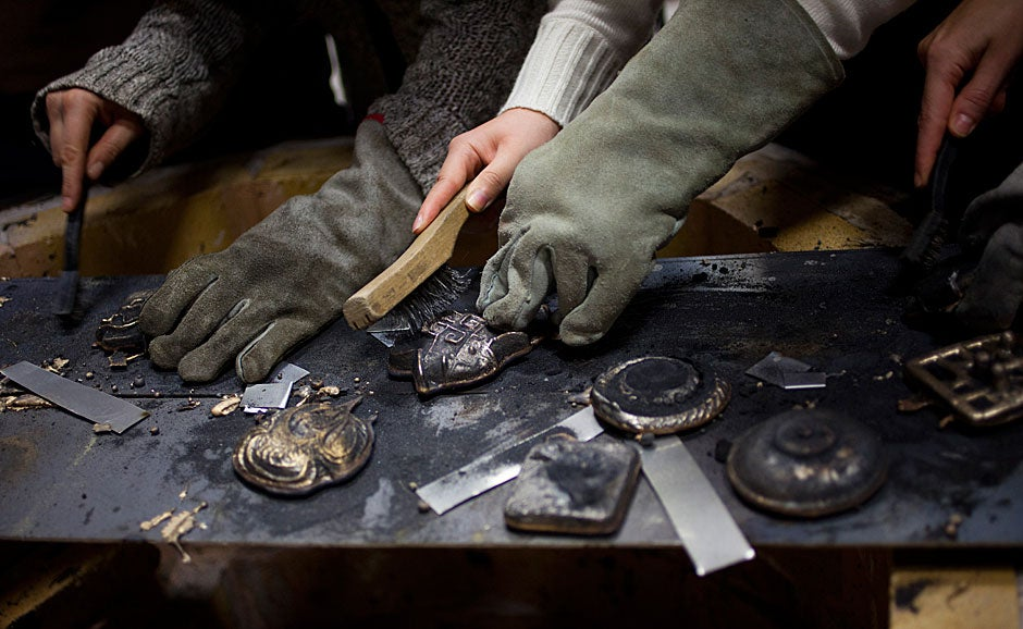 """""""Hands-on experience, working directly with objects, and … making our own pieces"""" was, for the students, the workshop's greatest strength. """"It has been a wonderful way to learn,"""" remarked one student.  Stephanie Mitchell/Harvard Staff Photographer"""