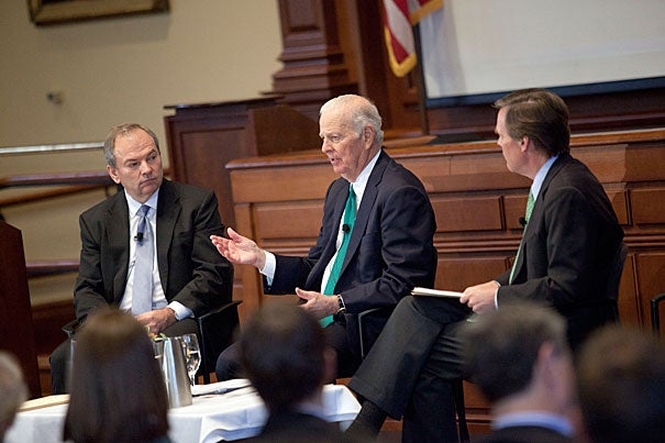 At Harvard to receive the Great Negotiator Award, James A. Baker III talked to  James K. Sebenius (left) and R. Nicholas Burns about his time with the State Department, including a period of tense maneuvering after the fall of the Berlin Wall.
