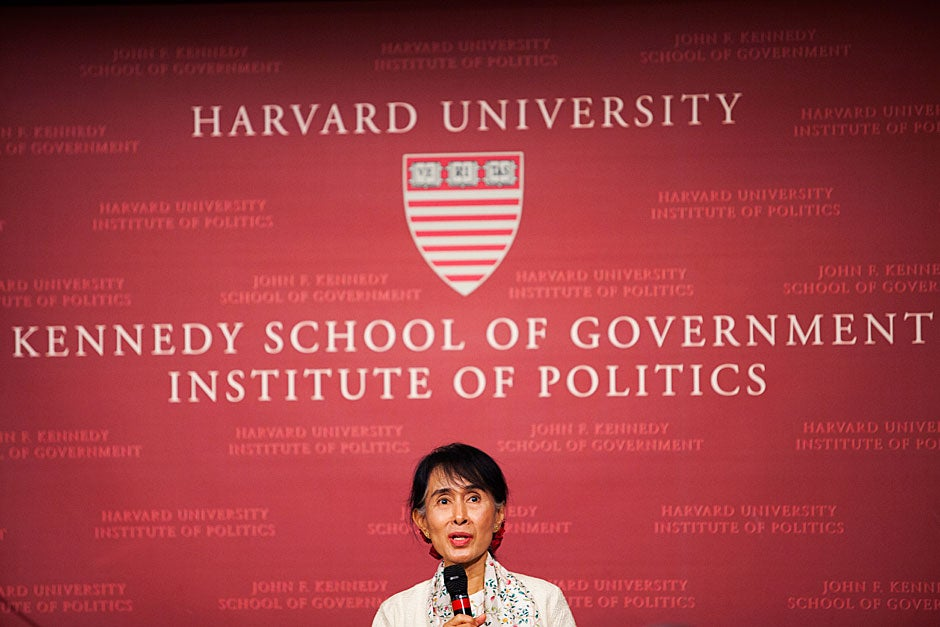 Nobel Peace Prize winner and democracy activist Aung San Suu Kyi delivers the annual Godkin Lecture in the John F. Kennedy Jr. Forum at Harvard Kennedy School. Stephanie Mitchell/Harvard Staff Photographer