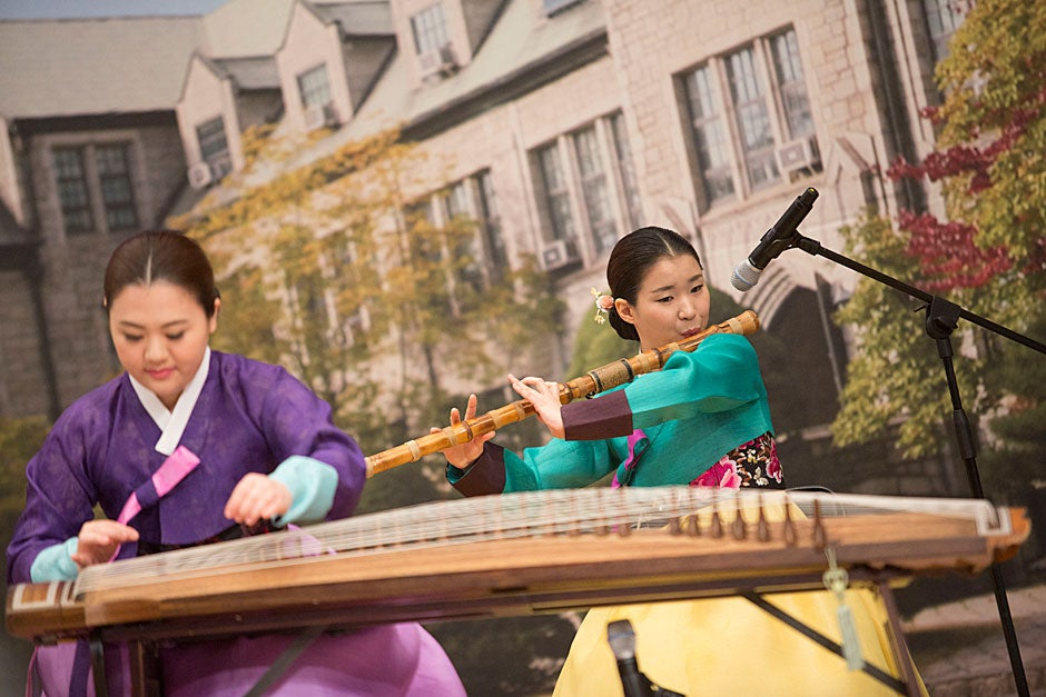 """The Korean Musical Ensemble performs """"America the Beautiful"""" for Harvard President Drew Faust, who delivered a lecture titled """"Educate Women; Change the World"""" at Ewha Womans University."""