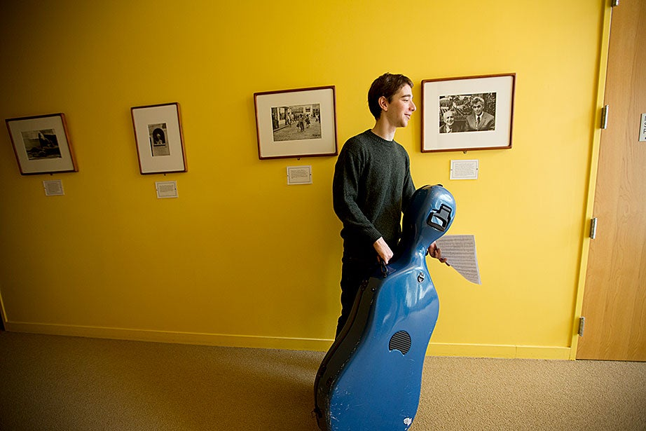 Sascha Bercovitch '14, a cellist in the newly formed Quad Quartet, heads to Sunday morning practice in the Senior Common Room at Currier House.