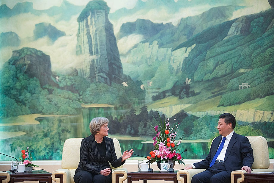 Drew Faust discusses governmental and academic efforts to address the threat of climate change with Xi Jinping.