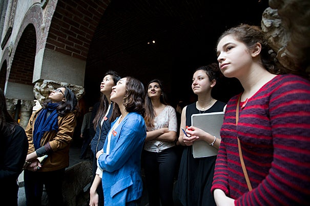 Harvard University PhD Candidate in Philosophy and Head teaching fellow for Humanities 10A and 10B, Lauren Kopajtic, leads a 10b group to the Isabella Stewart Gardner Museum in Boston.   Rose Lincoln/Harvard Staff Photographer
