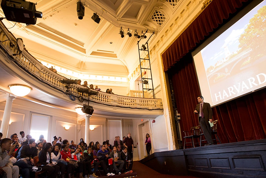 Students pack Agassiz Theater to hear Harvard College Dean Rakesh Khurana. Rose Lincoln/Harvard Staff Photographer