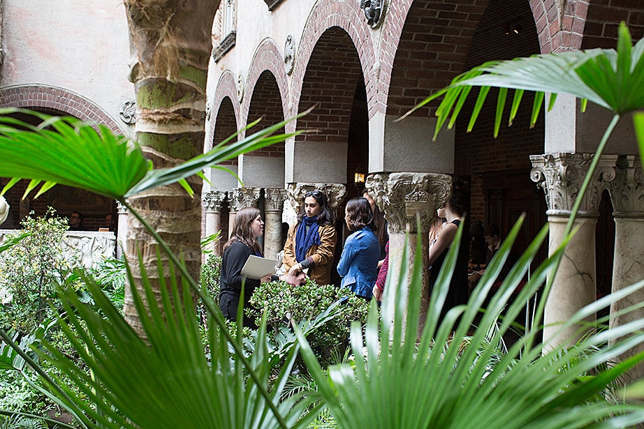 In addition to sections and lectures, students sign up to attend plays and operas. This group recently visited the Isabella Stewart Gardner Museum in Boston. In the courtyard, museum tour guide Katherine Fein (left) talks to students including India Patel '18 and Sohyun Yoon '18.