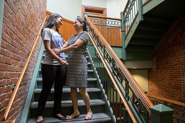 Saloni Vishwakarma '19 moves into Matthews Hall with the help of her mother, Rekha Vishwakarma. Kris Snibbe/Harvard Staff Photographer