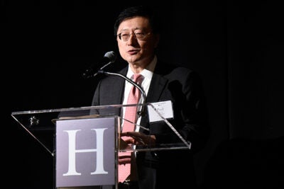 Harvard Alumni Association President Paul Choi '86, J.D. '89, welcomes alumni to the latest Your Harvard event in Atlanta.