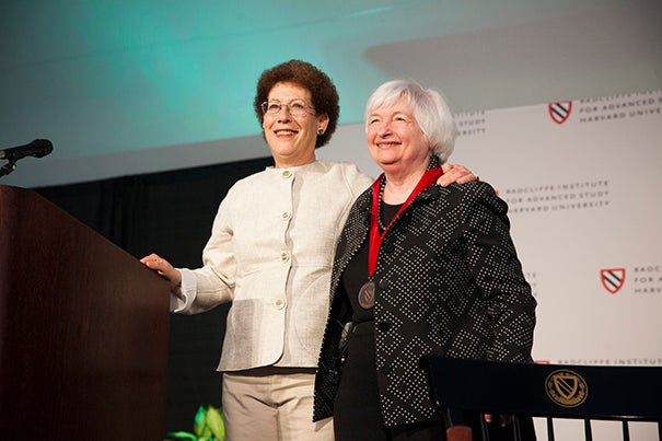 Dean Lizabeth Cohen awards Janet Yellen with the Radcliffe Medal.