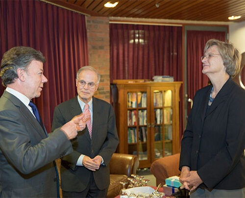 During his 2013 address at Harvard, Juan Manuel Santos, president of Colombia (from left), spoke to Jorge I. Domínguez, Antonio Madero Professor for the Study of Mexico, and Harvard President Drew Faust. Santos was awarded the 2016 Nobel Peace Prize this morning.