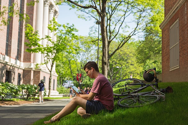 A recent report from Harvard and MIT on the use of MOOCs details encouraging statistics on who is taking advantage of the online courses made available by the two Universities over the past four years.