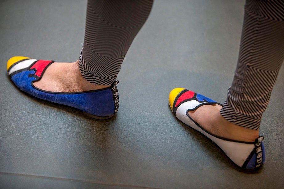 Victoria Kwok '19 appropriately wears Mondrian-like shoes for the occasion. Rose Lincoln/Harvard Staff Photographer
