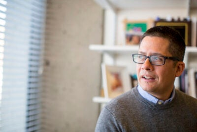 HGSE Professor Roberto Gonzales is one of the organizers of the DACA seminar at Harvard, a series of events exploring questions about the termination of DACA and TPS, deportations, and the current state of immigration policy.
