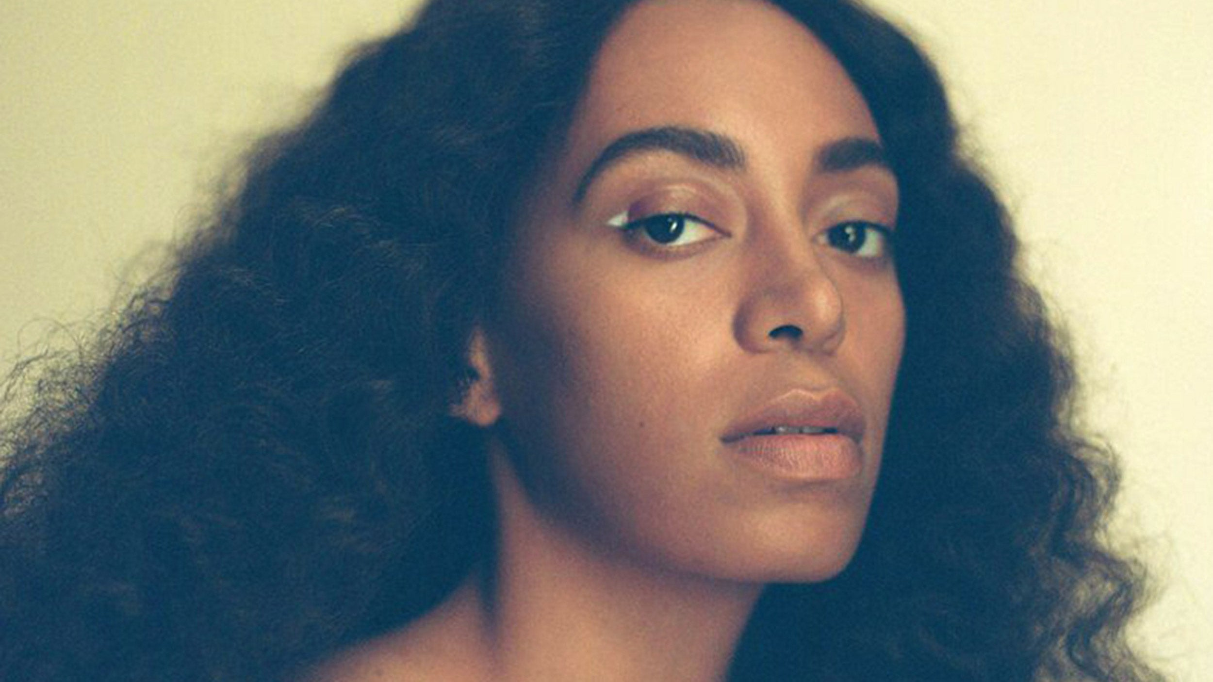 Grammy Award-winning recording artist, songwriter, and visual artist Solange Knowles has been named the Harvard Foundation'sartist of the year.