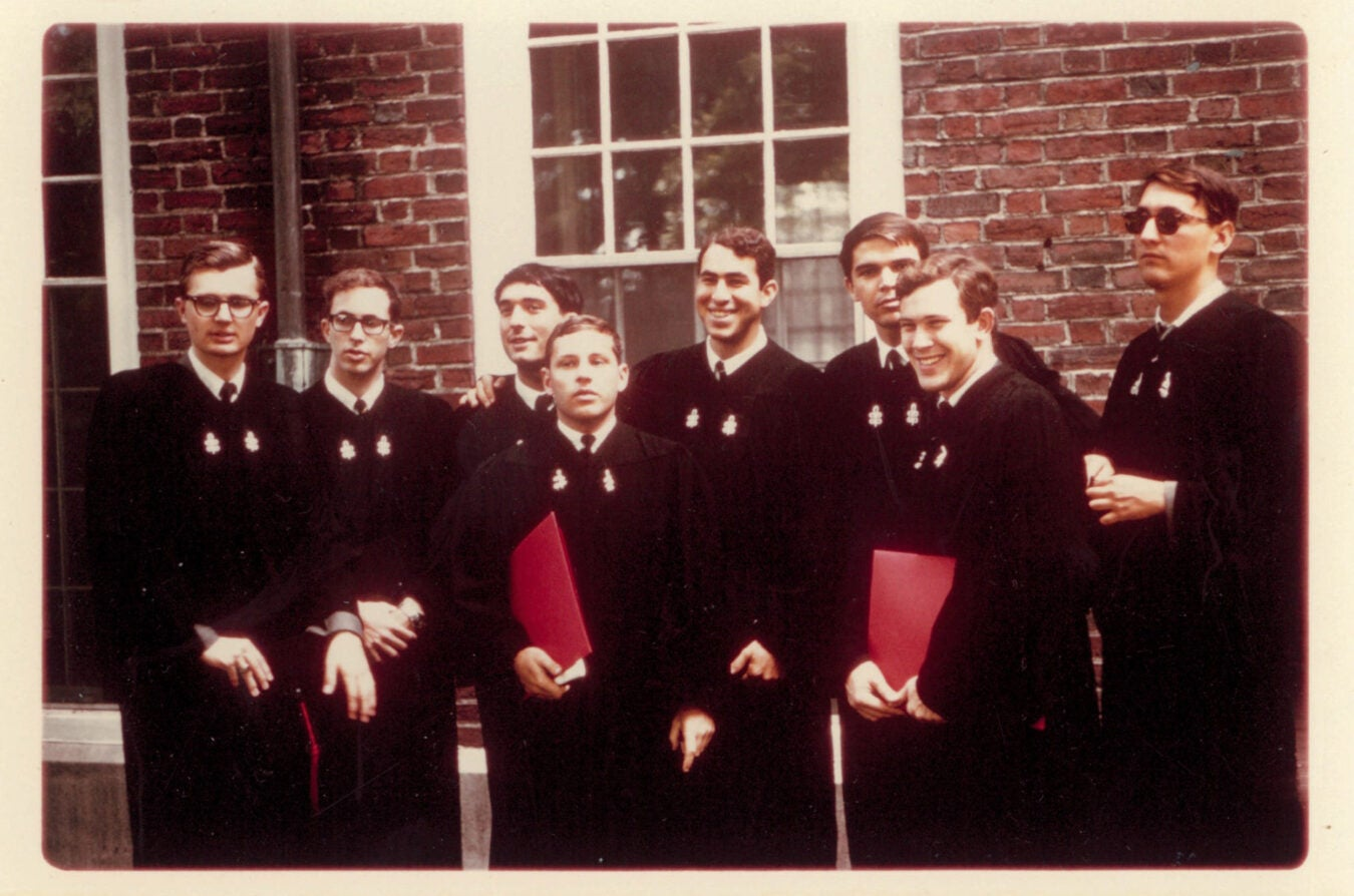 Howard Gardner with fellow Harvard graduates in 1965.