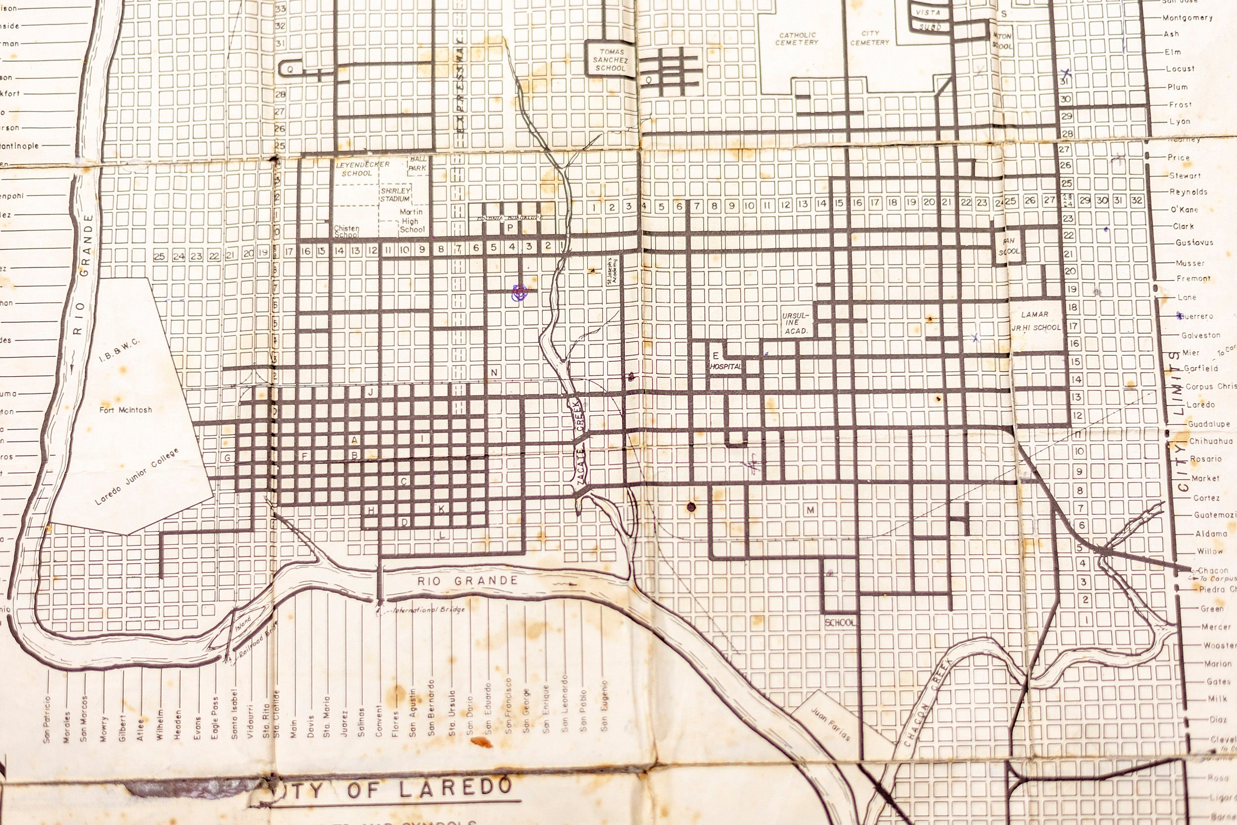 Archival map of Laredo, Texas.