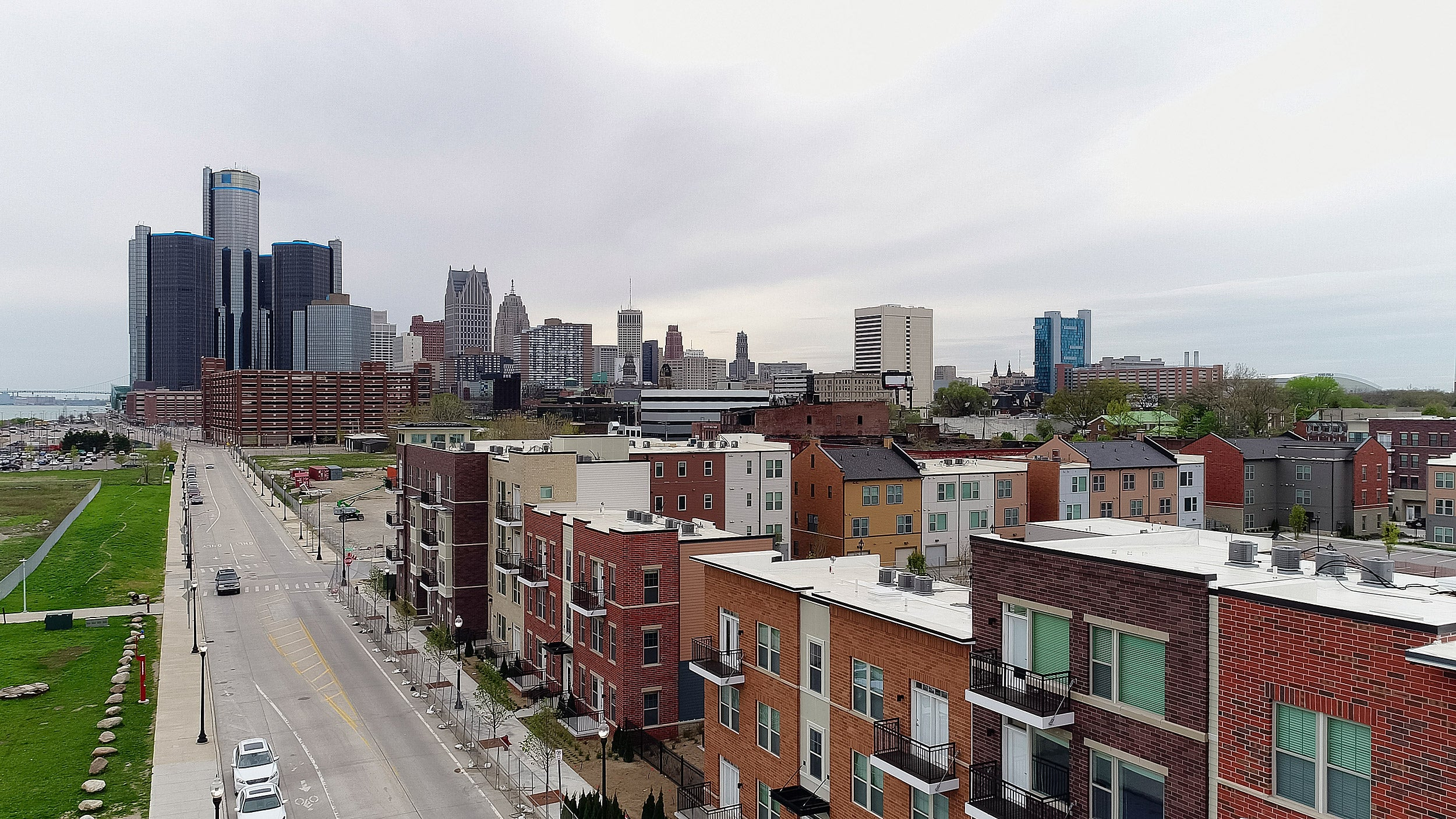 Harvard and the University of Michigan have formed two partnerships designed to encourage economic opportunity in struggling Detroit and to fight the national scourge of opioid addiction.