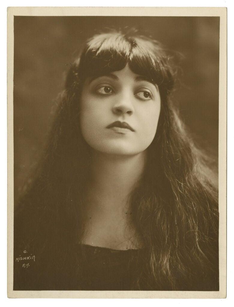 Italian-American soprano Rosa Ponselle, circa 1920.