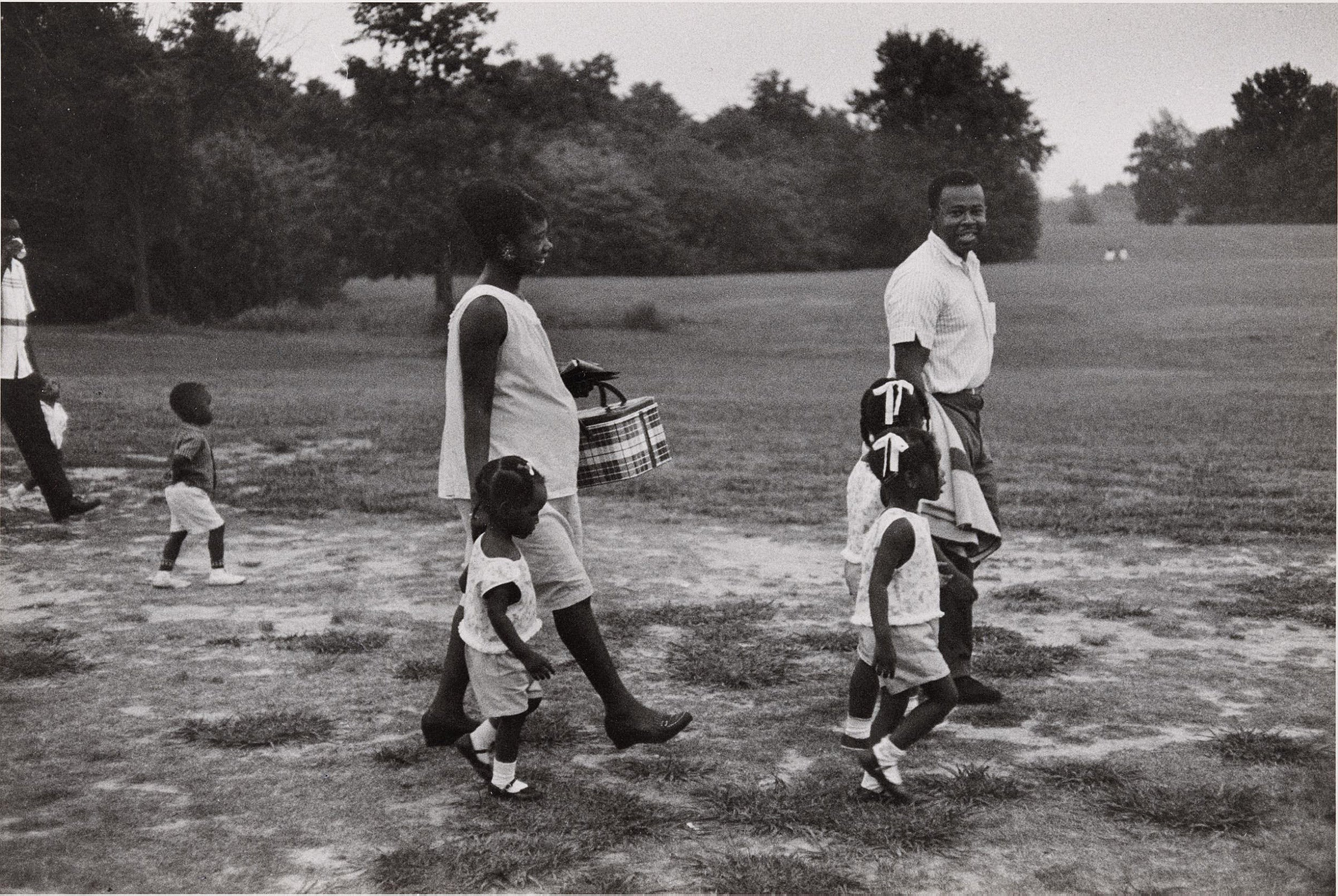 Parents and children with picnic basket in Tennessee, 1962.