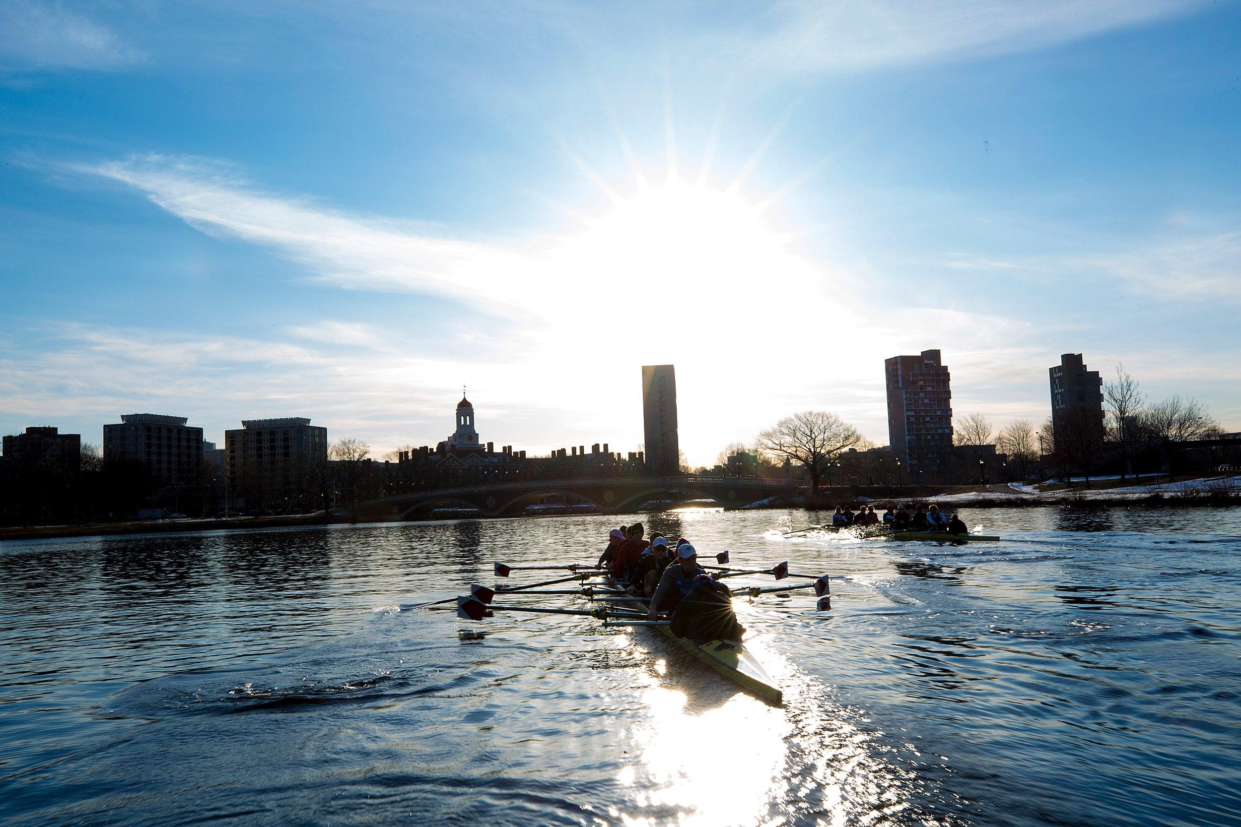 Harvard men's crew on Charles River