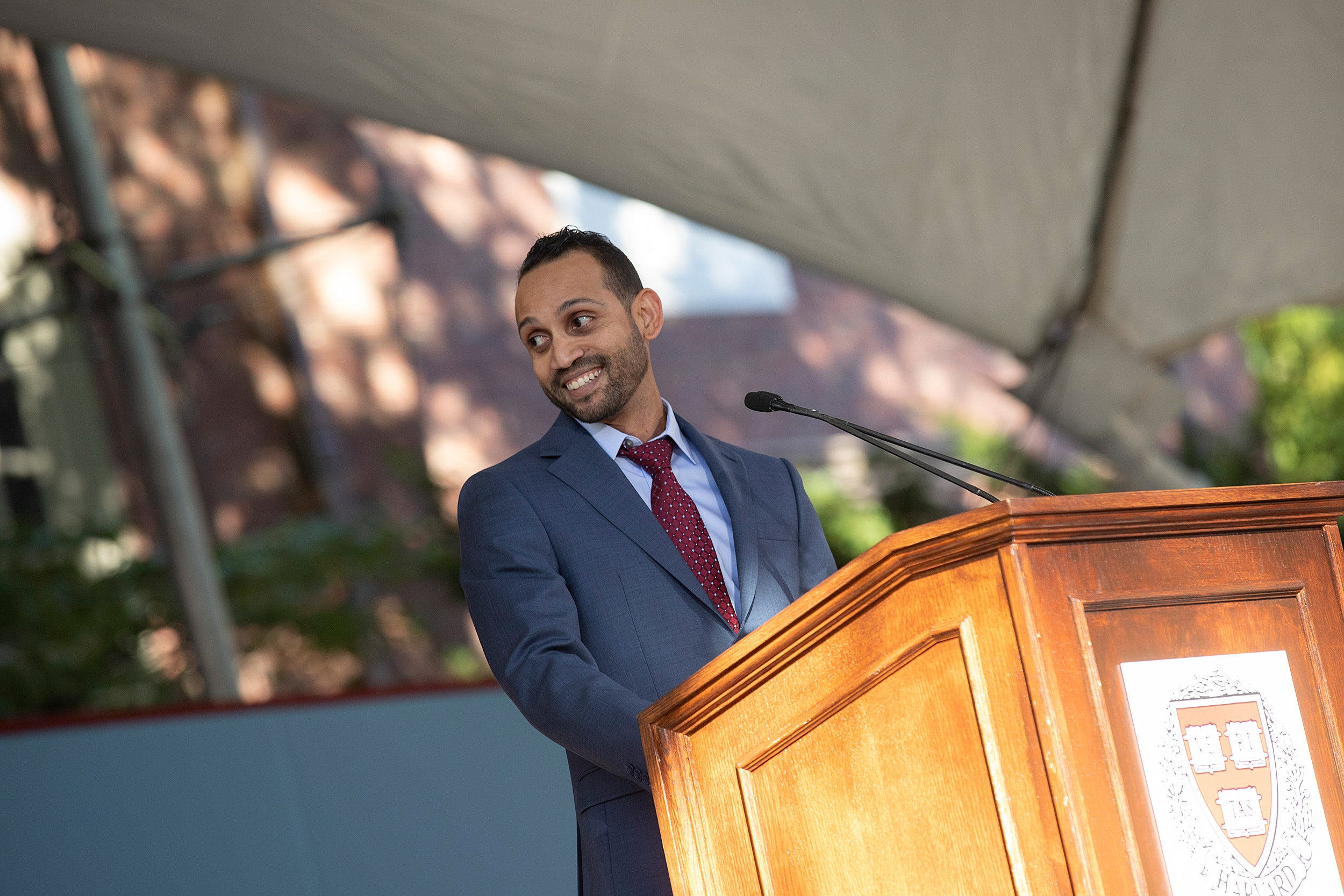 Calixto Saenz speaks at the Inauguration of Harvard President Larry Bacow.