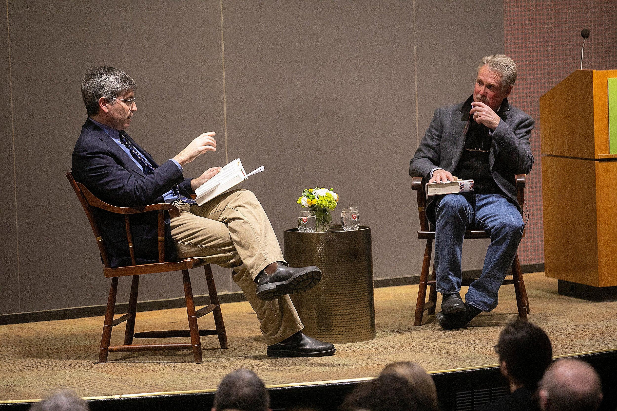 Carl Zimmer, left, and David Quammen in conversation