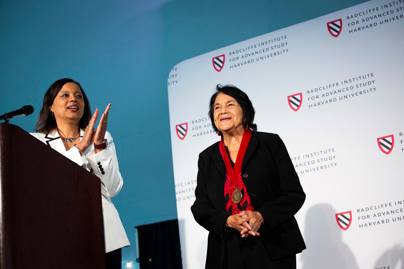 Radcliffe Dean Tomiko Brown-Nagin (left) awards Dolores Huerta with the Radcliffe Medal.