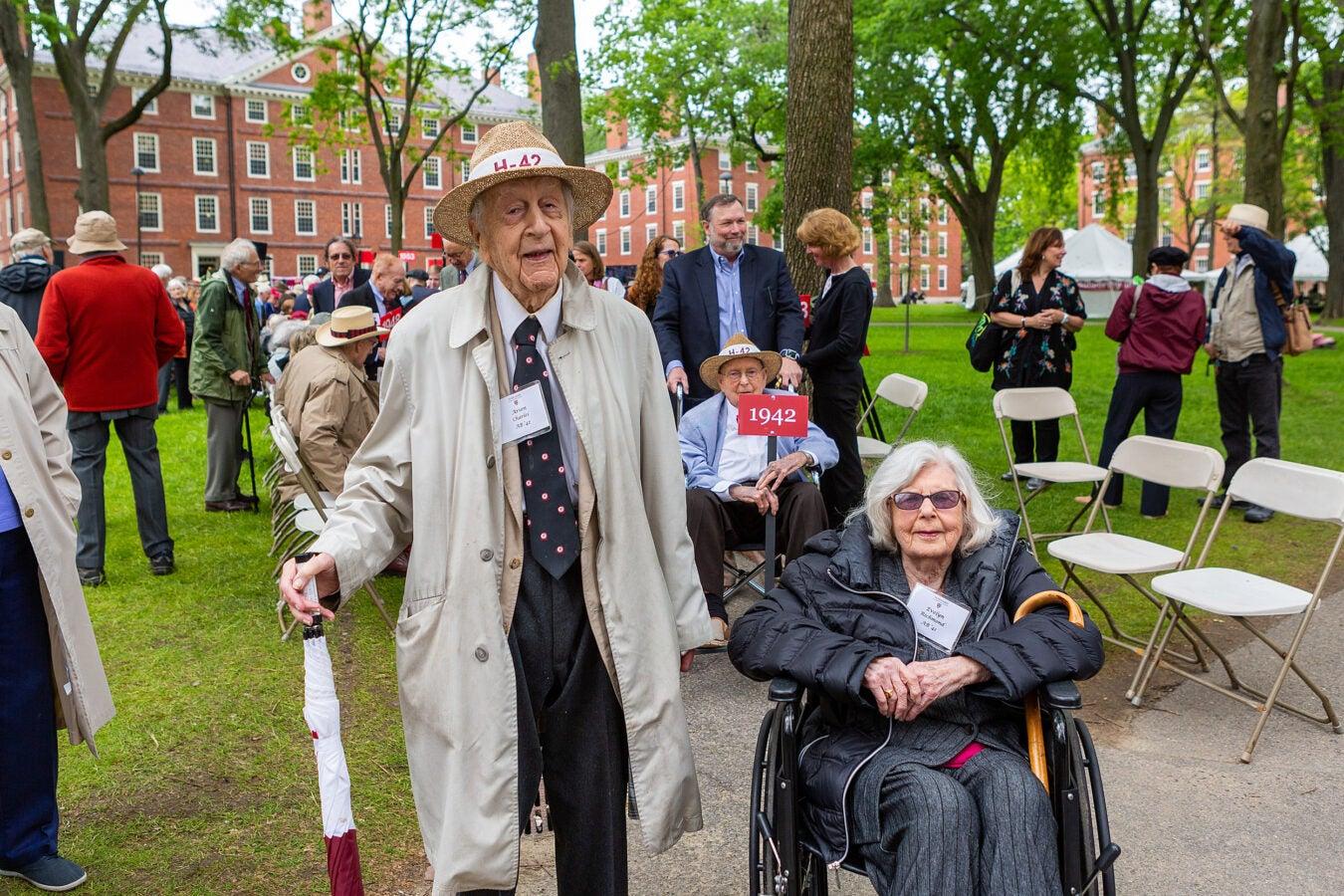 Two of Harvard's eldest graduates