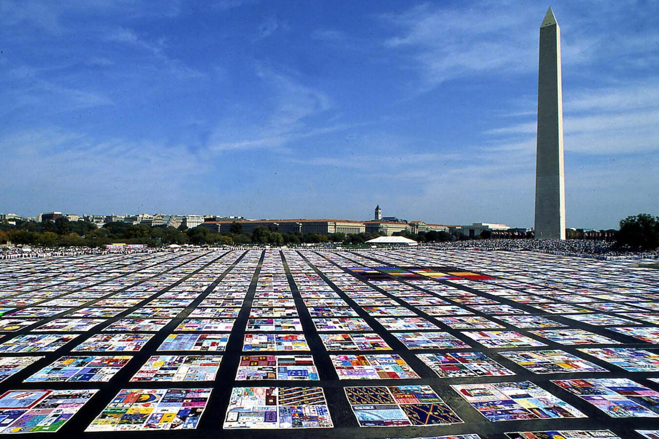 he AIDS quilt in front of the Washington Monument