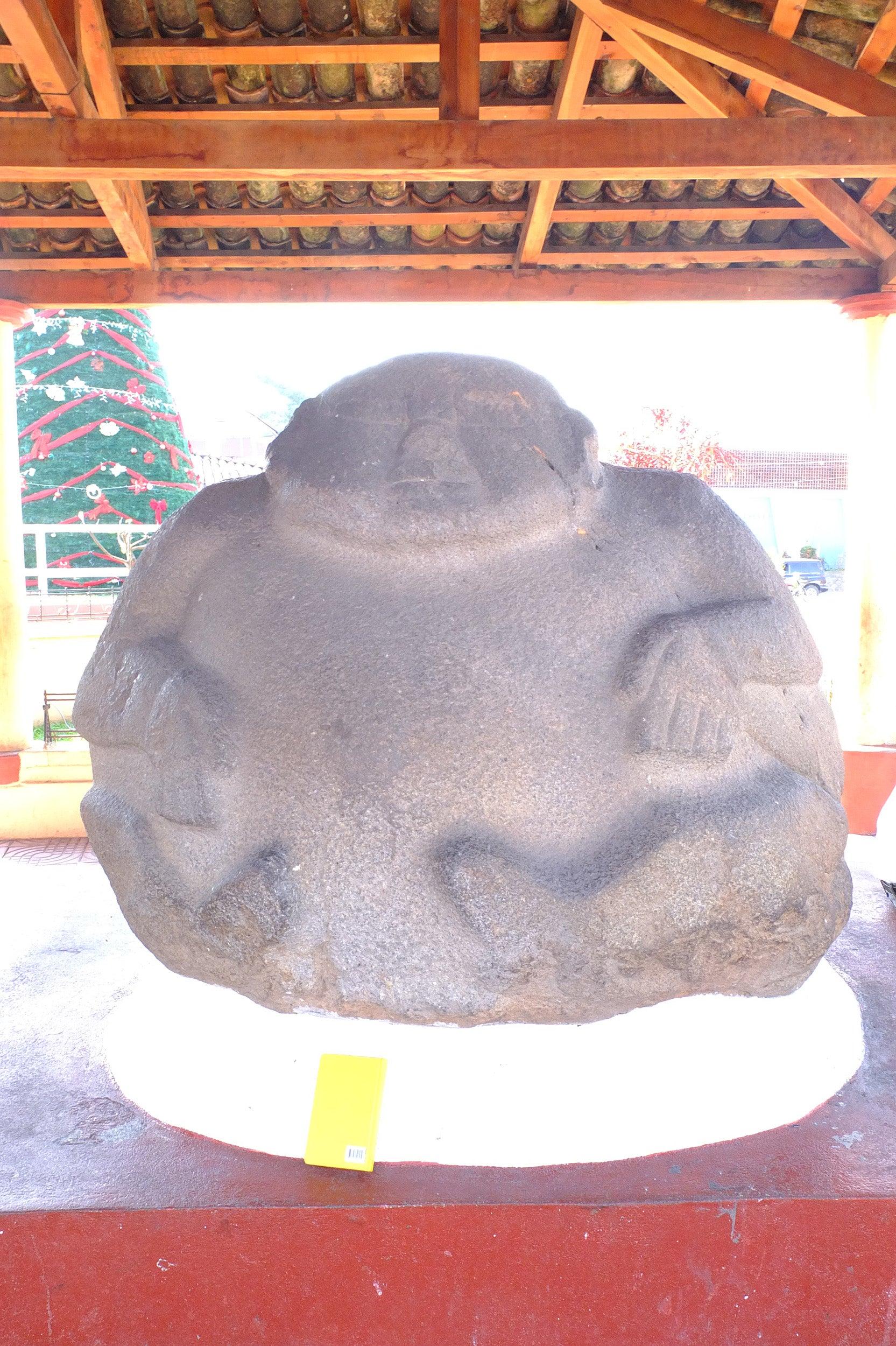 mesoamerican statue